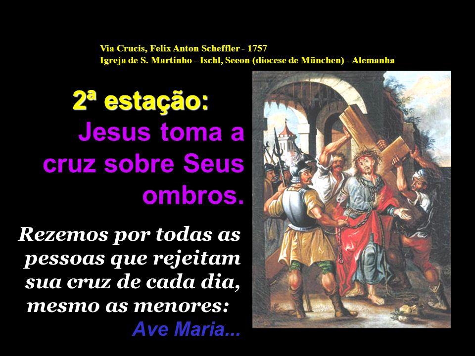 Jesus, o seu querido e divino Filho, já não virá mais para a última refeição. Maria passa a noite toda em vigília. Em oração, está sempre unida ao Pai