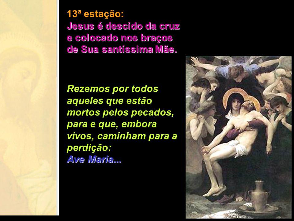 Os anjos, prostrando-se diante do corpo inerte de Cristo, O adoram e também veneram a Rainha dos mártires. Quem não aproveitar os frutos deste precios