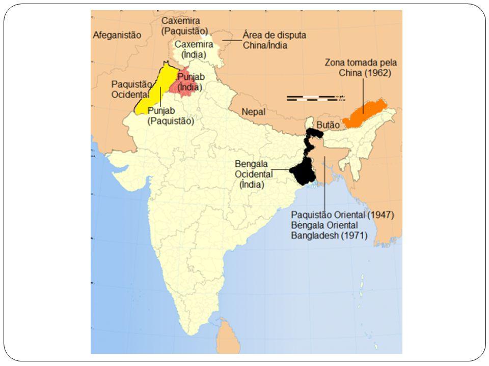 A divisão da Caxemira associando ao mapa que segue: - Caxemira Indiana: estado de Jamu/Caxemira com 100 mil Km2 e 6,5 milhões de habitantes, o único com maioria demográfica muçulmana; - Caxemira Paquistanesa composta pela área de Azad ou Caxemira Livre mais os territórios do Norte: 78 mil Km2 e 3,5 milhões de habitantes com maioria de muçulmanos xiitas; - Caxemira Chinesa: conquistada na guerra sino- indiana (1962) com 40 mil Km2 e alguns milhares de habitantes que corresponde à área do Aksai Chin, que está ligada à região autónoma do Tibete.