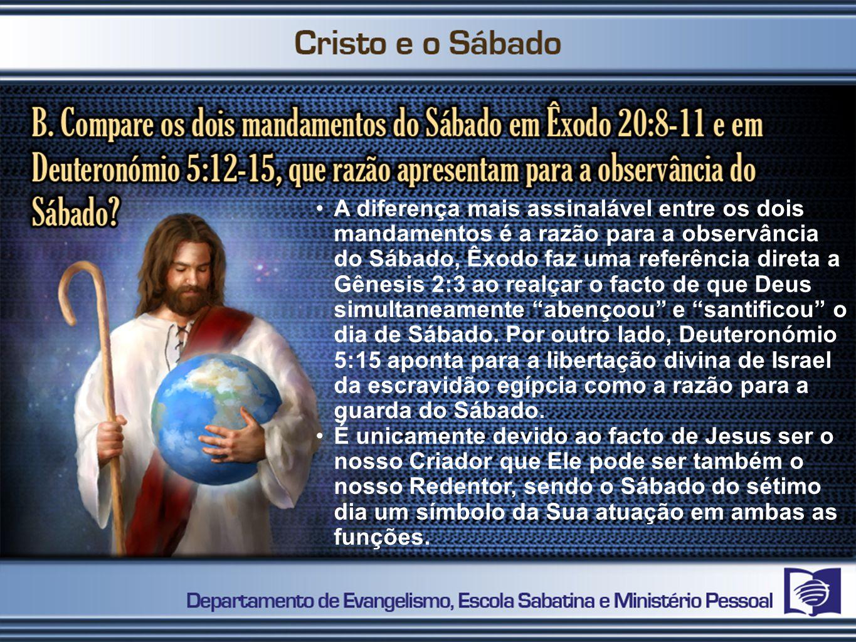 A diferença mais assinalável entre os dois mandamentos é a razão para a observância do Sábado, Êxodo faz uma referência direta a Gênesis 2:3 ao realçar o facto de que Deus simultaneamente abençoou e santificou o dia de Sábado.