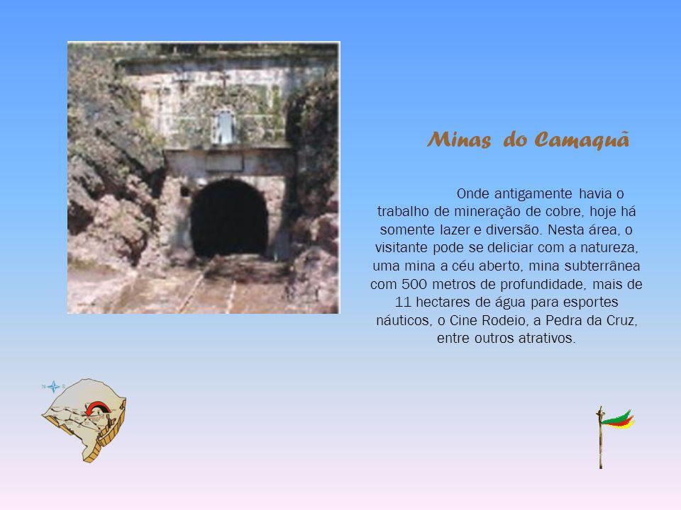 Forte D. Pedro II Localizado na zona norte da cidade de Caçapava do Sul, possui a forma de um polígono hexagonal e tem as paredes em pedra e cal. Conf
