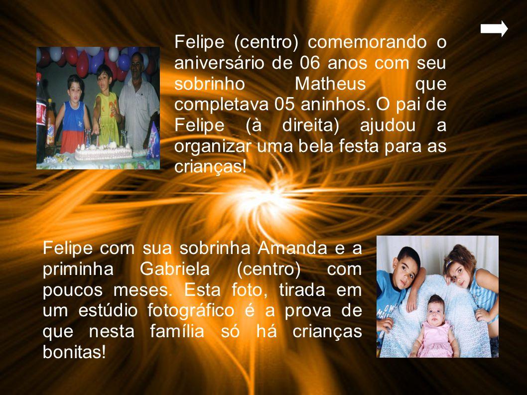 Felipe (centro) comemorando o aniversário de 06 anos com seu sobrinho Matheus que completava 05 aninhos.