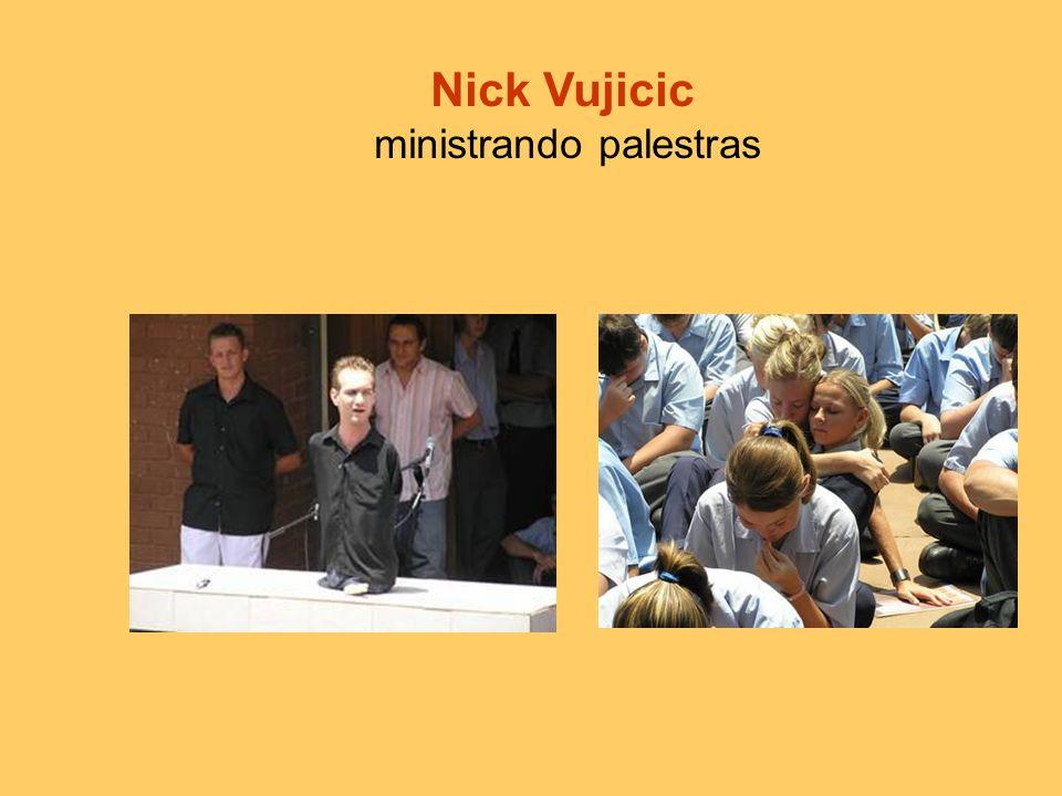 Hoje nick tem 21 anos e terminou seus estudos na área de Comercio, Planificação Financeira e Contabilidade.