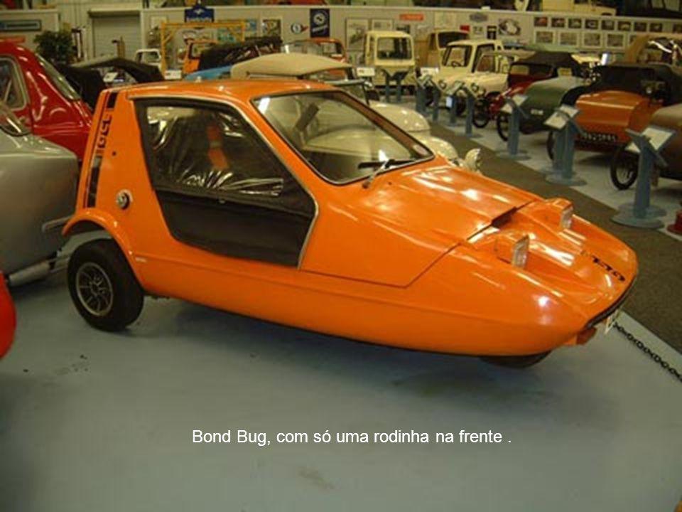 Bond Bug, com só uma rodinha na frente.