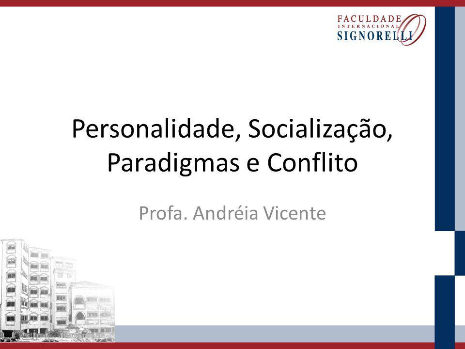 Personalidade A personalidade refere-se ao modo relativamente constante e peculiar de perceber, pensar, sentir e agir do indivíduo na sua interação com o mundo.