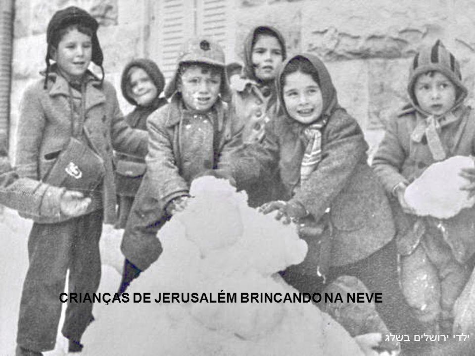 NEVE NAS RUAS DE JERUSALÉM