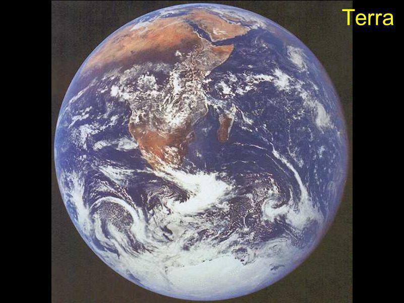 Rotação: 58 dias Diâmetro: 4878km Temperatura max.: 427°C Temperatura min.: -173°C Composição Atmosférica: Hélio Sódio Oxigênio Revolução: 87 dias Satélites: nenhum MERCÚRIO