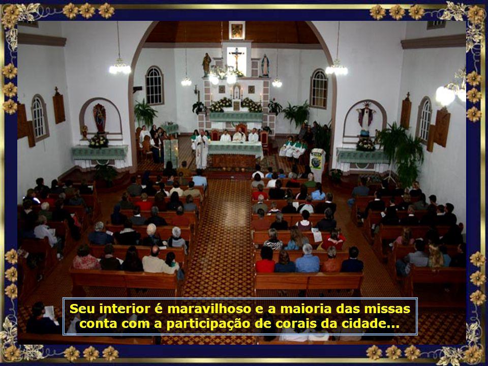 A linda Catedral de Nossa Senhora do Perpétuo Socorro, padroeira da cidade, que tem grande maioria de população católica...