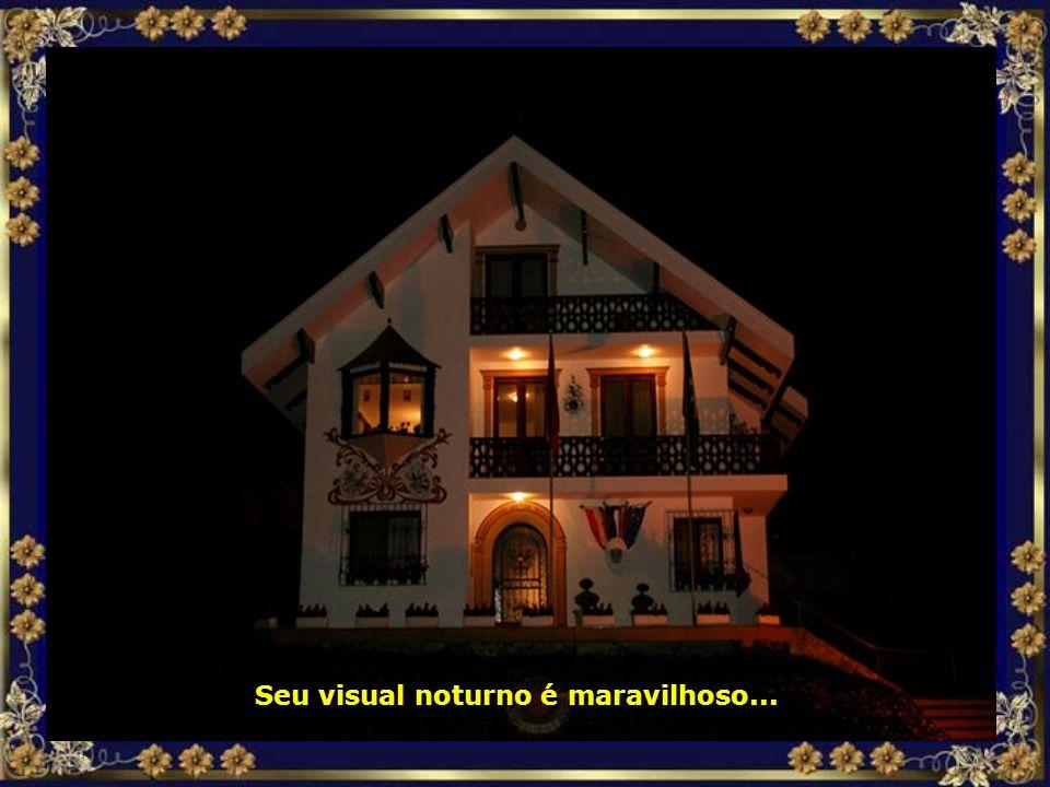 Treze Tílias conta, inclusive, com sede do Consulado da Áustria, num belíssimo prédio...