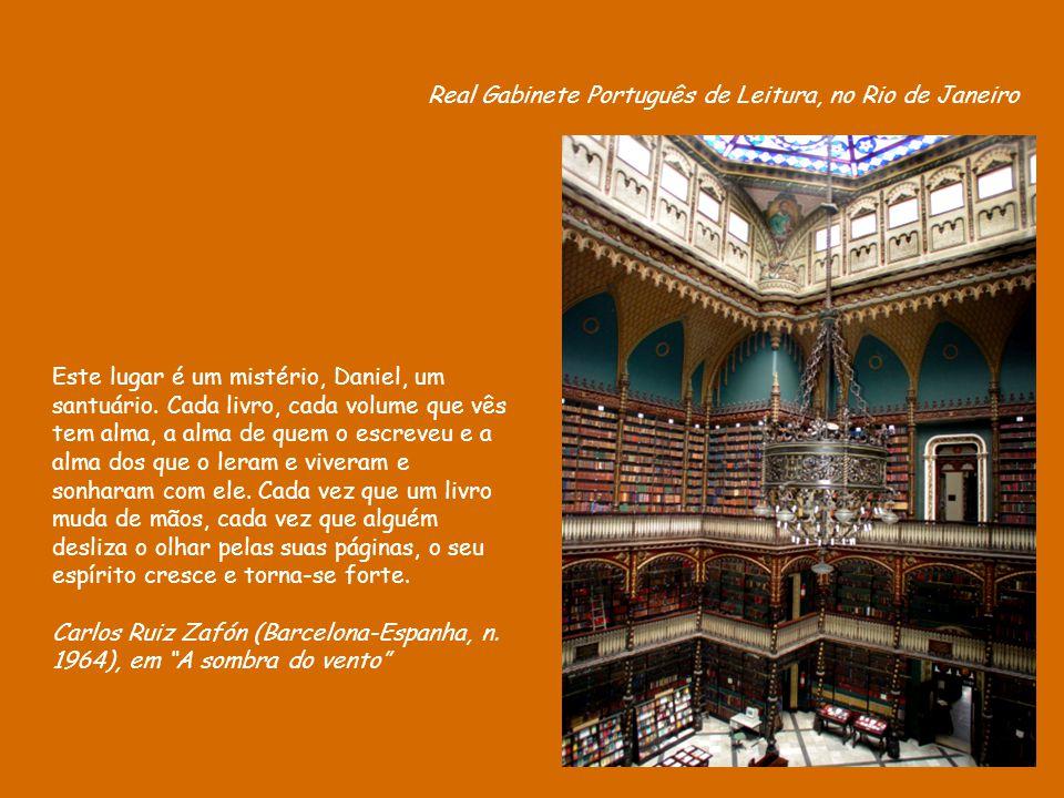 Casa-biblioteca - do pedreiro sergipano Evando dos Santos - Biblioteca Comunitária Tobias Barreto, no Rio de Janeiro. Em uma boa biblioteca, você sent
