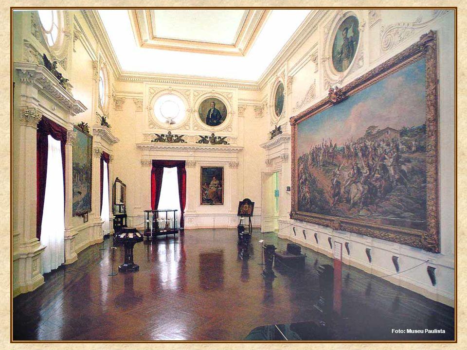 Este quadro, óleo-sobre-tela, denominado Independência ou Morte, foi encomendado ao pintor Pedro Américo, ainda pelo imperador Pedro II, em meados da