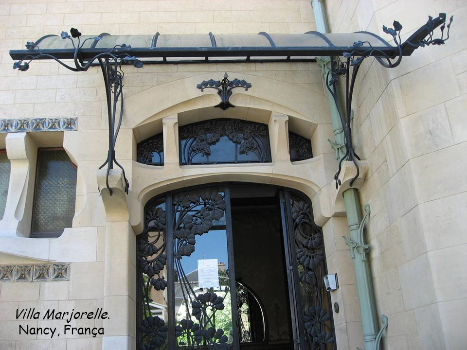 Que riqueza de detalhes nas portas e molduras! Josef Fanta, Praga