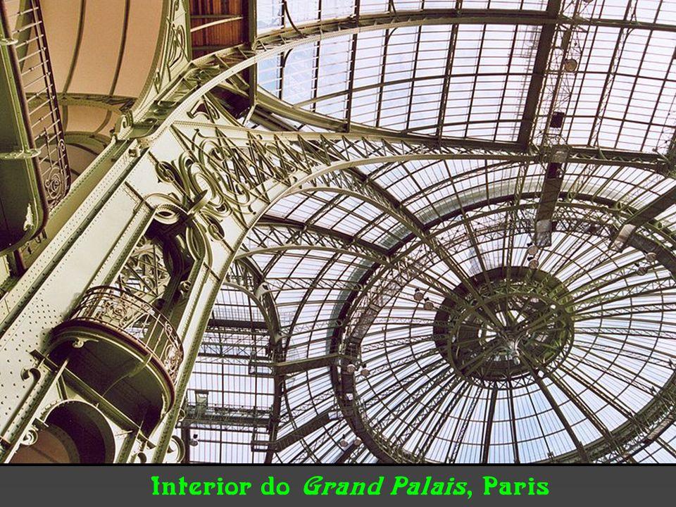 Interiores Galerie Lafayette, de Ferdinand Chanut. Paris Alemanha