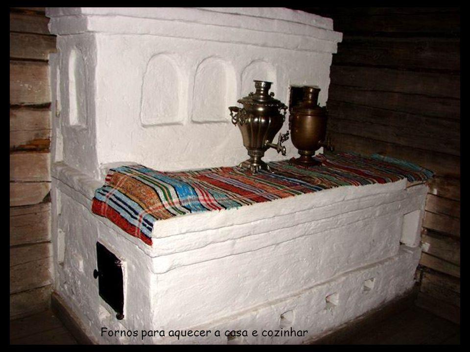 Bordados carelianos feitos nas noites longas do inverno
