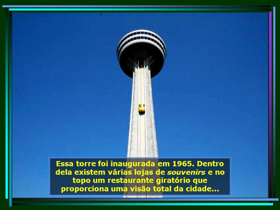Vamos passear mais, agora é a vez de subirmos no alto da Torre Skylon, com 236,22 m de altura e de lá poder apreciar toda beleza da cidade...
