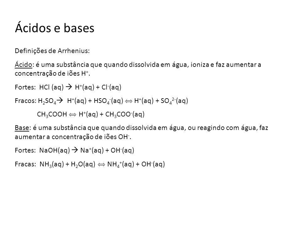 Reacções ácido-base Ácido + Base Sal + Água HNO 3 (aq) + KOH(aq) KNO 3 (aq) + H 2 O(l) H 2 SO 4 (aq) + 2 NaOH(aq) Na 2 SO 4 (aq) + 2 H 2 O(l) H + (aq) + OH - (aq) H 2 O(l) Uma reacção ácido – base envolve a reacção entre um ácido e uma base e formação de água.