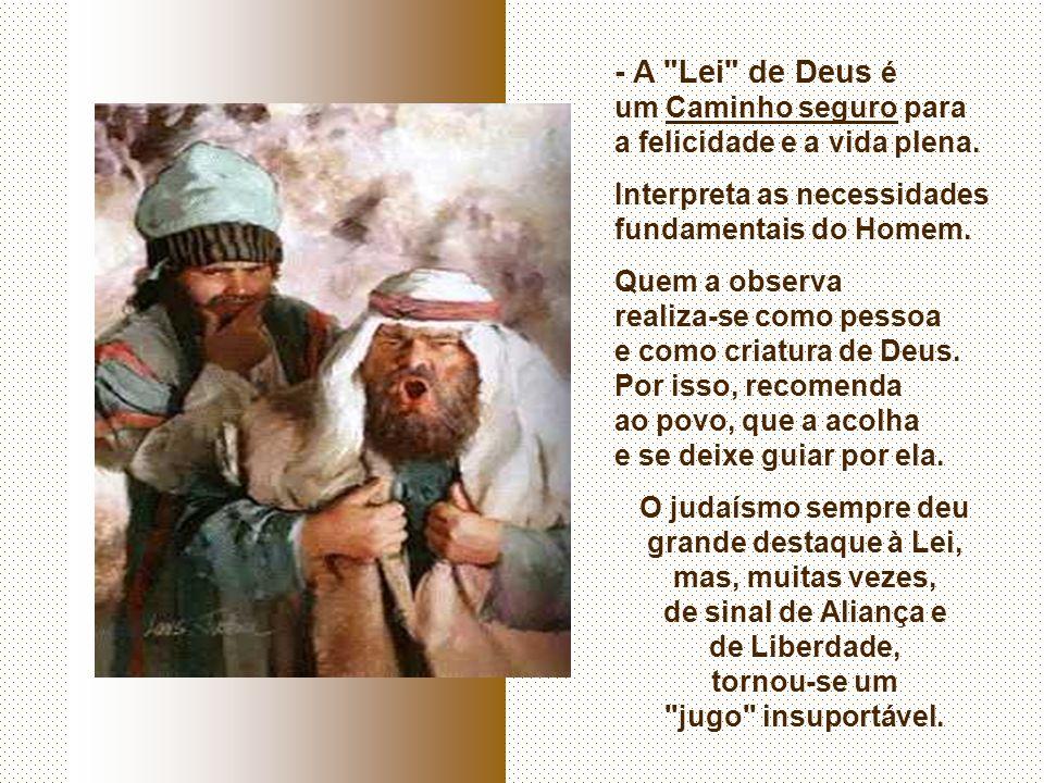 Na 1ª Leitura, o Povo de Deus recebe a LEI. (Dt 4,1-2.6-8) No final da vida, MOISÉS deixa um