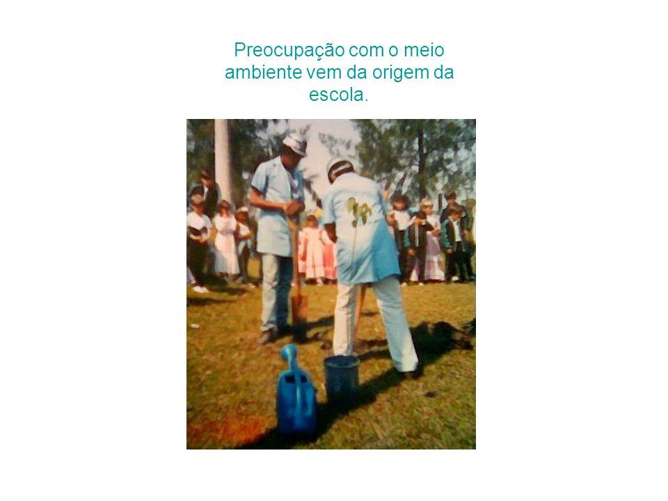Professora testemunha da fundação da escola. Vera Castilhos