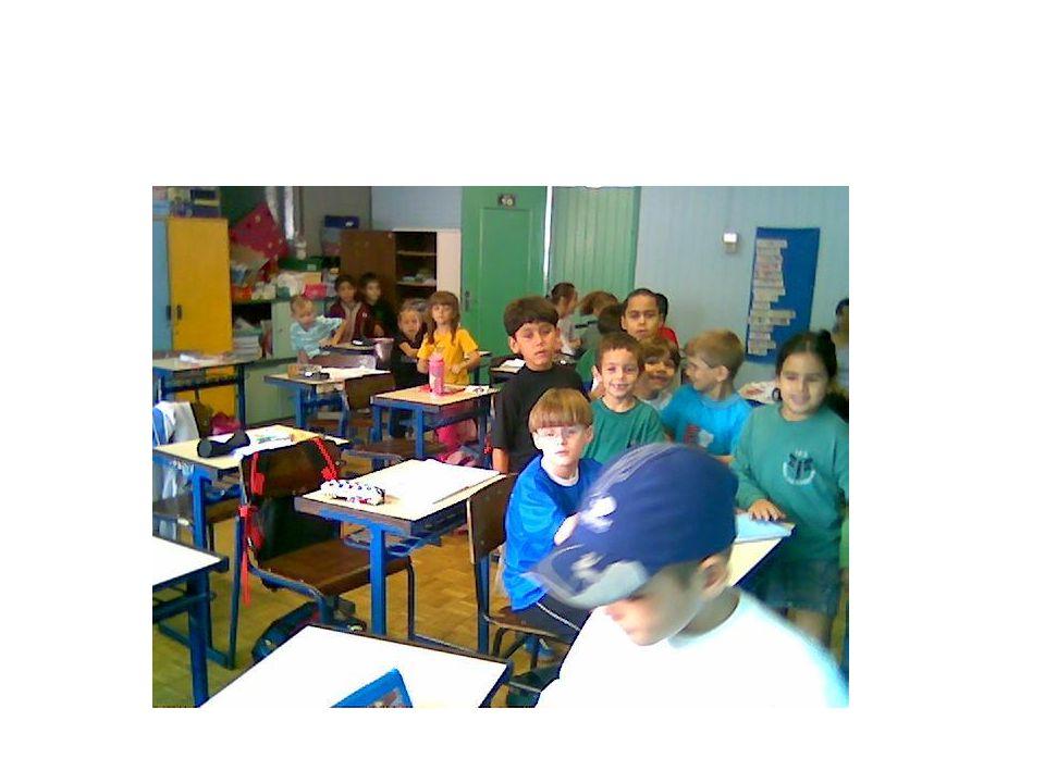 INSTITUTO ESTADUAL DE EDUCAÇÃO ASSIS CHATEAUBRIAND A escolha de quem faz a sua história. Hino da escola.