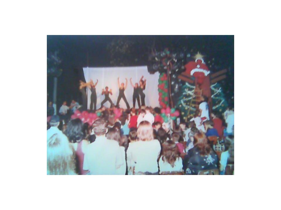 Em dezembro de 1996, se realizou o primeiro Natal Luz da Escola. A partir deste ano sempre se realizou com o maior sucesso.