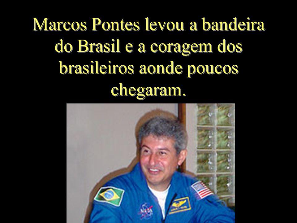 Os brasileiros estão na maior alegria e muito orgulhosos.