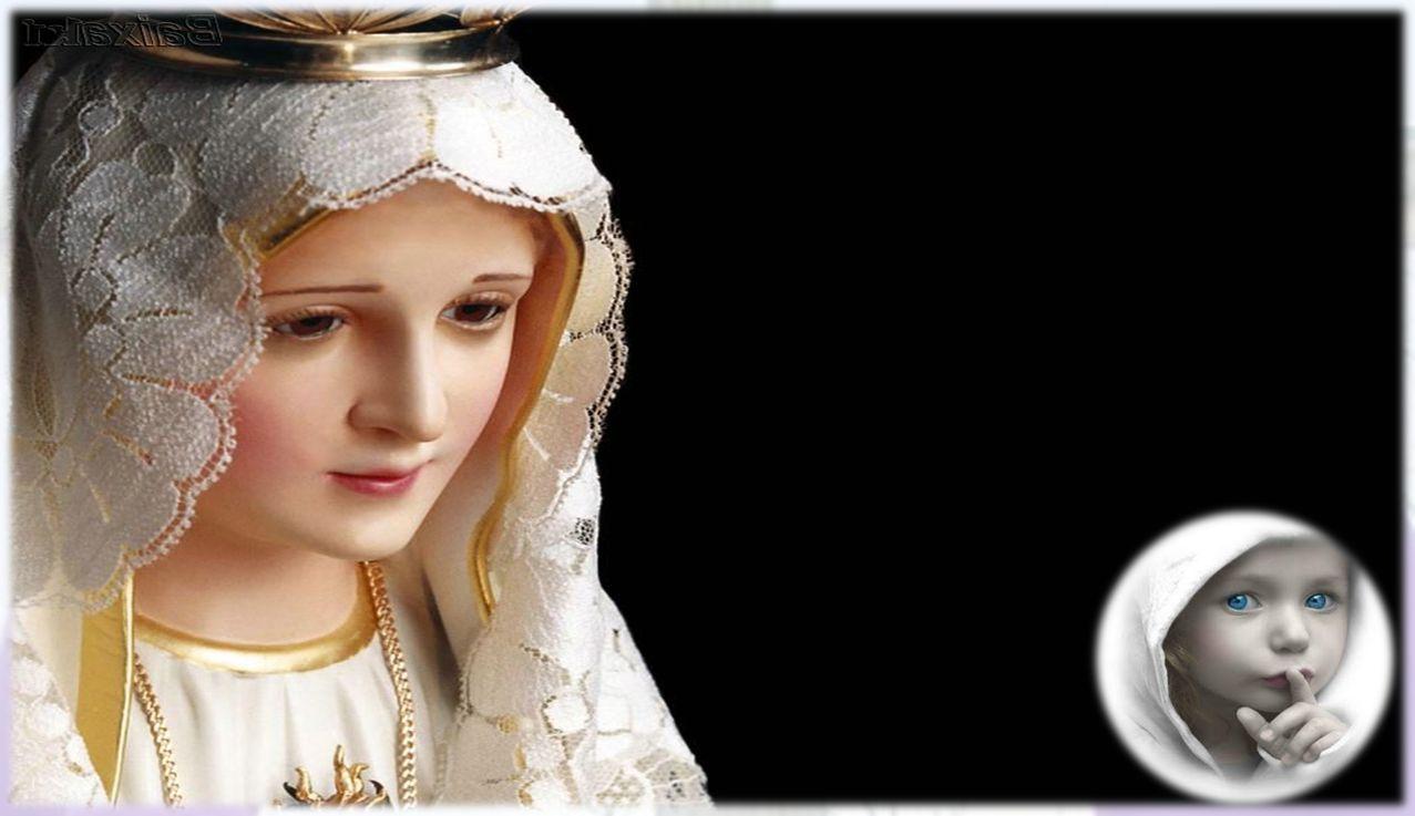 desceu dos céus (Faz-se inclinação) E encarnou pelo Espírito Santo, no seio da Virgem Maria.