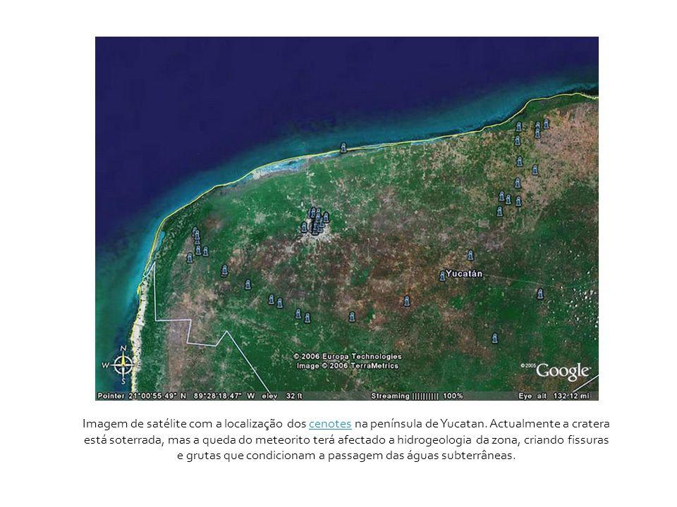 Imagem de satélite com a localização dos cenotes na península de Yucatan. Actualmente a cratera está soterrada, mas a queda do meteorito terá afectado