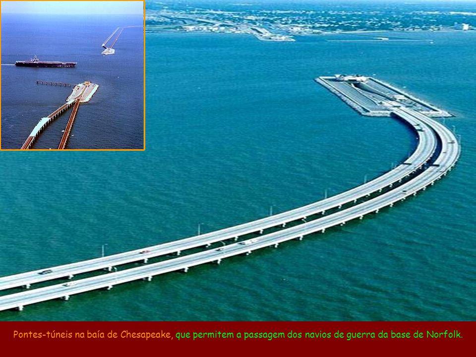 Ponte inversora entre a China e Hong Kong, já que o tráfego em Hong Kong circula pela esquerda.