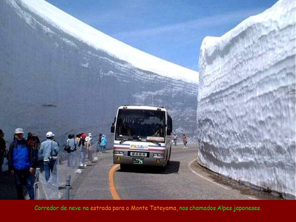 Estrada-túnel de Guoliang, na China.