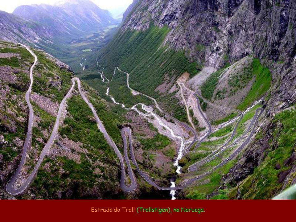 Estrada da Morte (camino a los Yungas), de La Paz a Coroico, na Bolívia (média de 96 mortes por ano).