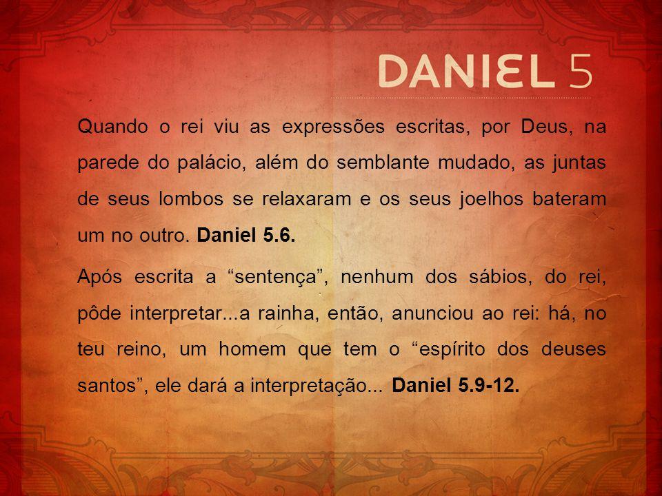 Daniel é introduzido à presença do rei.