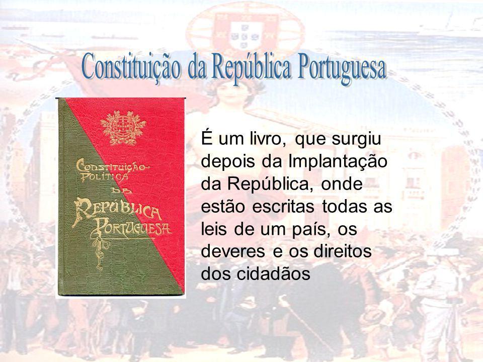 É um livro, que surgiu depois da Implantação da República, onde estão escritas todas as leis de um país, os deveres e os direitos dos cidadãos