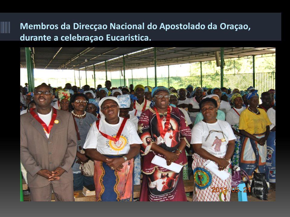 Membros do Apostolado da Oraçao participam em celebraçao Eucaristica, em Sao Jose de Calumbo