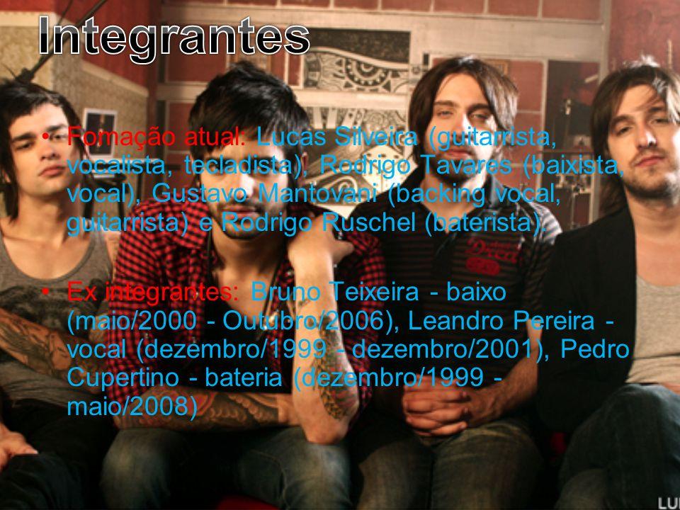 Fomação atual: Lucas Silveira (guitarrista, vocalista, tecladista), Rodrigo Tavares (baixista, vocal), Gustavo Mantovani (backing vocal, guitarrista)