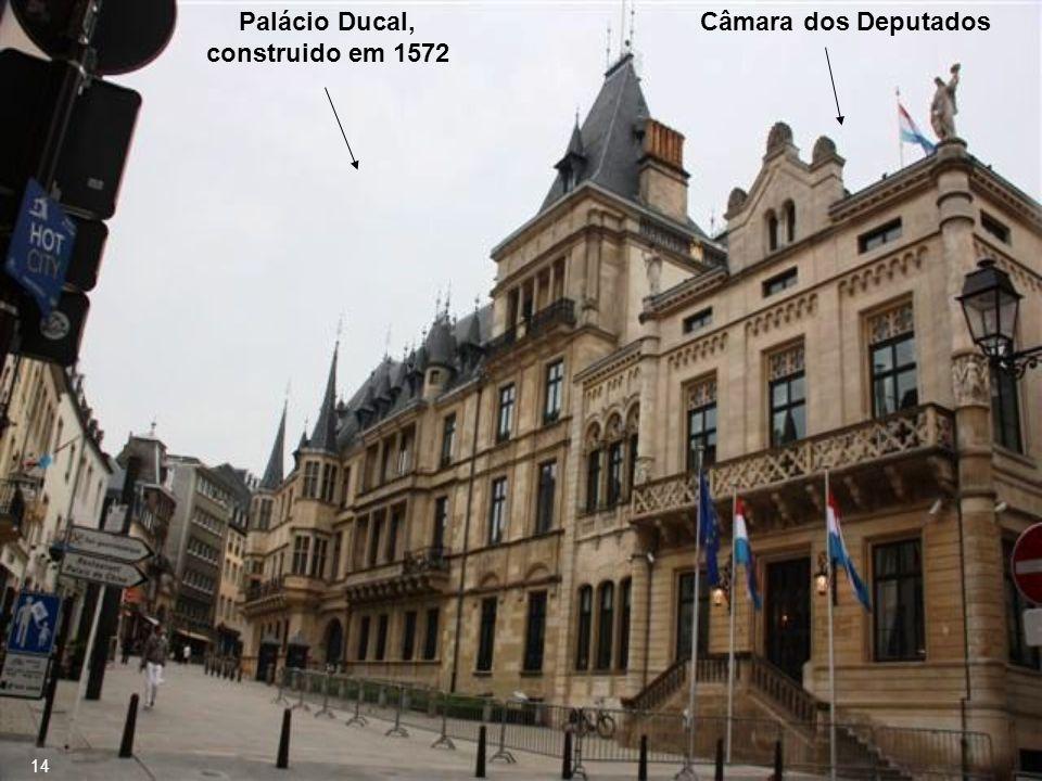 A forma de governo atual é Monarquia Constitucional Grão-Ducado de Luxemburgo