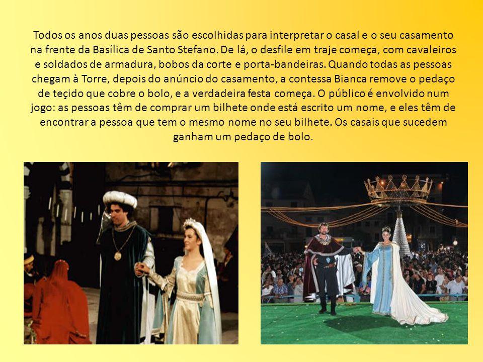 Todos os anos duas pessoas são escolhidas para interpretar o casal e o seu casamento na frente da Basílica de Santo Stefano. De lá, o desfile em traje
