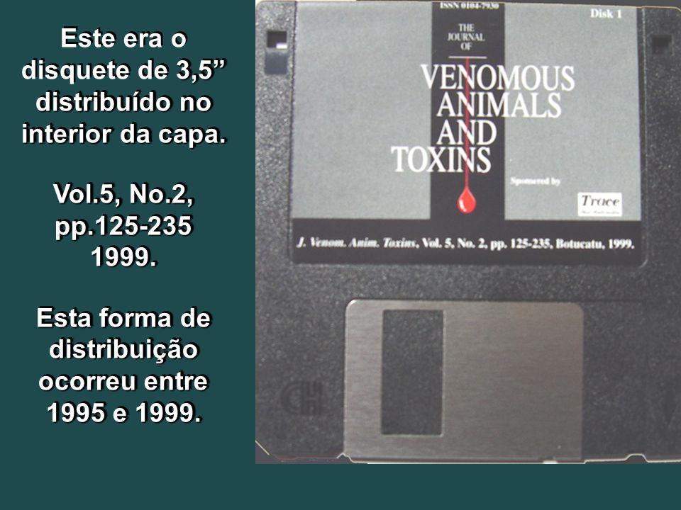 3,5 distribuído no interior da capa. Este era o disquete de 3,5 distribuído no interior da capa.