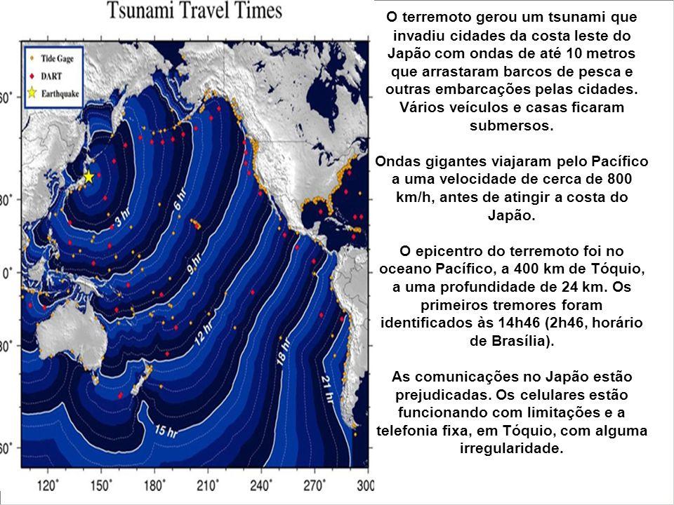O terremoto gerou um tsunami que invadiu cidades da costa leste do Japão com ondas de até 10 metros que arrastaram barcos de pesca e outras embarcações pelas cidades.