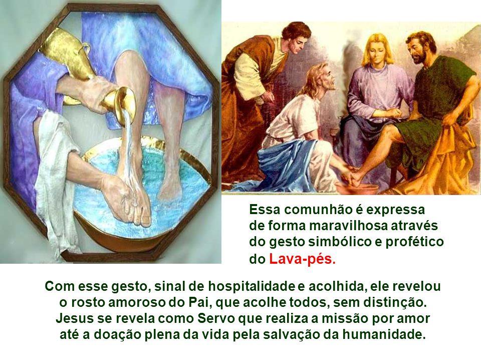 O Evangelho narra a Ceia do Senhor. (Jo 13,1-15 ) Faz parte dos discursos de despedida e destaca a Páscoa nova e perene que Jesus celebra com sua mort