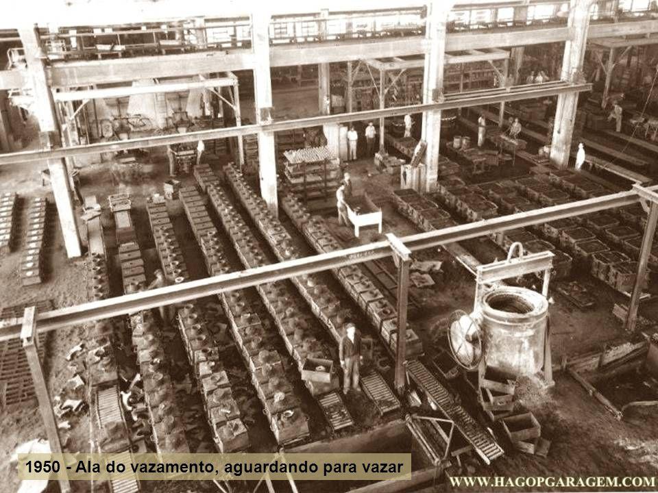 1948 moldagem enchendo caixa para vazamento