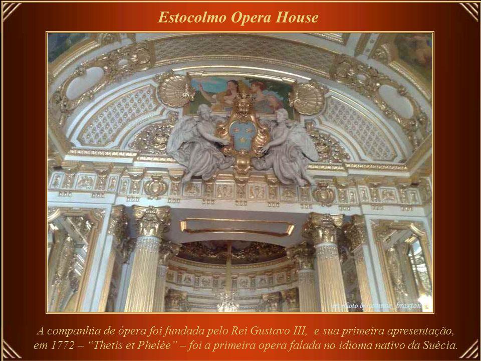 Estocolmo Opera House O Kungliga Teatern (Teatro Real), ou a Ópera Real da Suécia, é o palco da opera sueca.