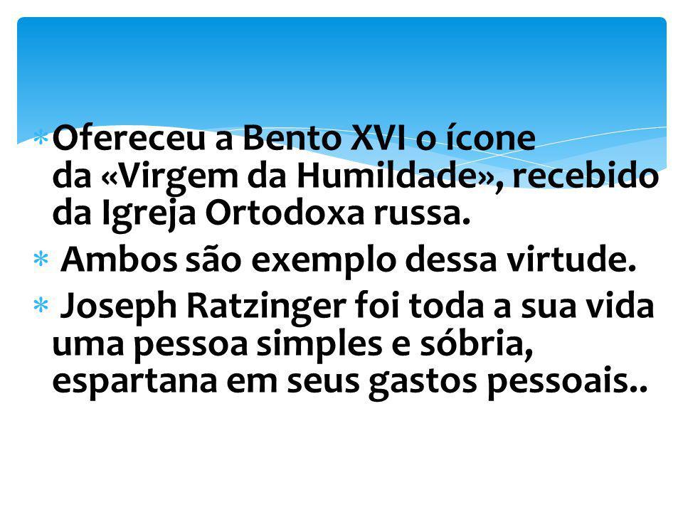 Ofereceu a Bento XVI o ícone da «Virgem da Humildade», recebido da Igreja Ortodoxa russa.