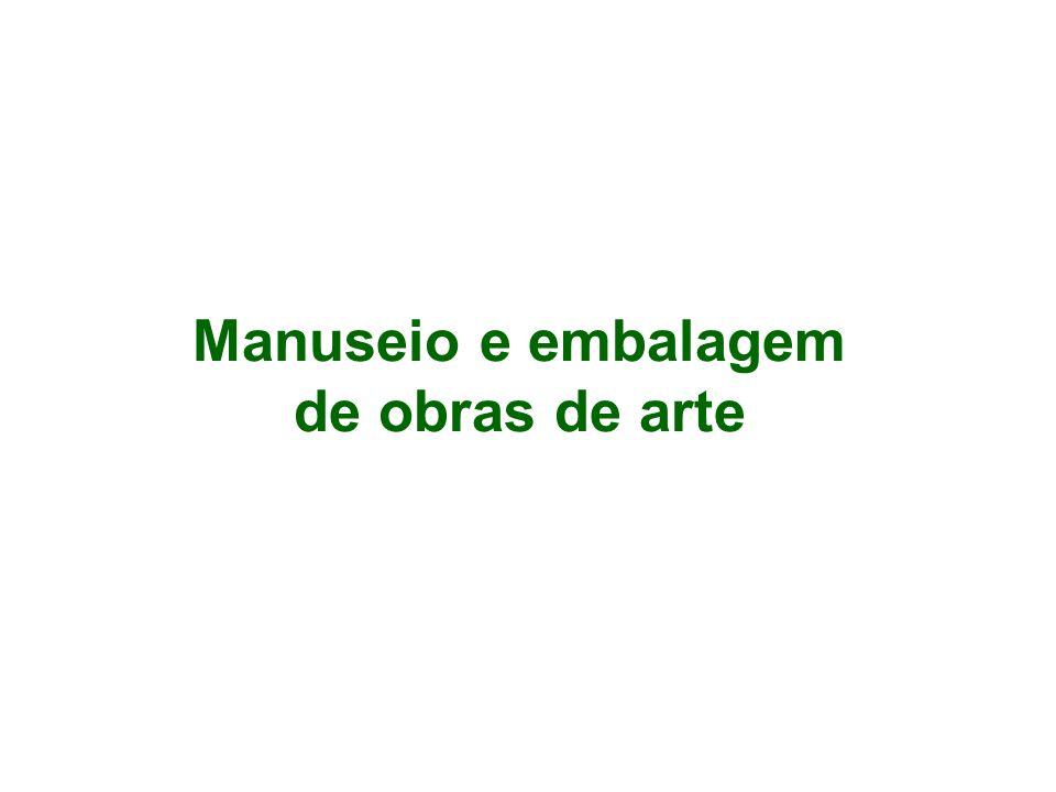 Manuseio e embalagem de obras de arte