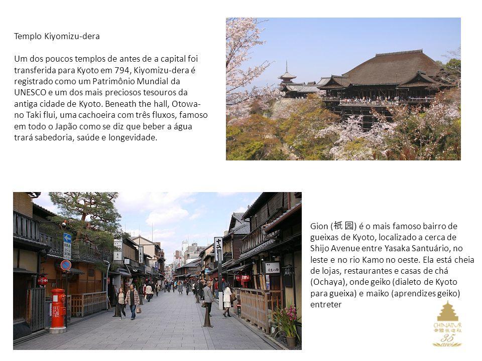 Templo Kiyomizu-dera Um dos poucos templos de antes de a capital foi transferida para Kyoto em 794, Kiyomizu-dera é registrado como um Patrimônio Mundial da UNESCO e um dos mais preciosos tesouros da antiga cidade de Kyoto.
