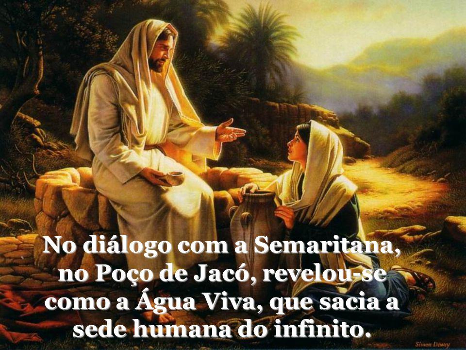Acolheu as crianças e colocou-as como parâmetro para os que desejam entrar no seu Reino: simplicidade, pureza, confiança...