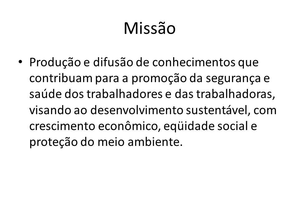 Atuação A Fundacentro foi responsável pela formação dos primeiros engenheiros e técnicos de segurança do trabalho, médicos, enfermeiros e auxiliares de enfermagem do trabalho, formados no Brasil.