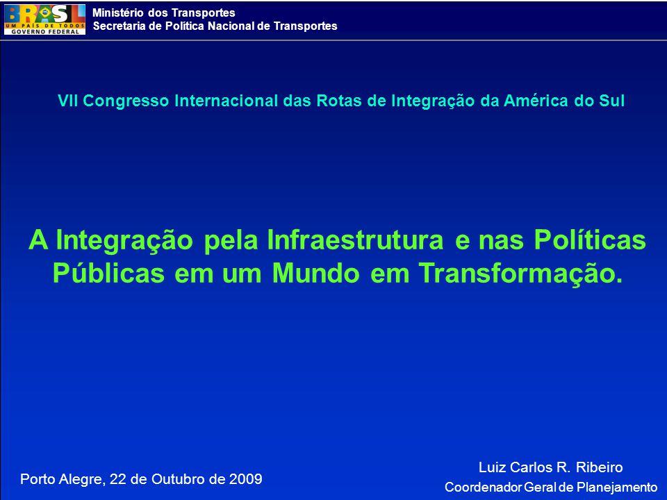 Ministério dos Transportes Secretaria de Política Nacional de Transportes PNLT Iniciativa brasileira: Plano Nacional de Logística e Transportes - PNLT Um de seus objetivos é a integração regional sul-americana Além dos vetores logísticos nacionais, foram considerados outros vetores representativos do processo de integração continental Arco Norte Amazonas Pacífico Norte Bolívia Prata / Chile