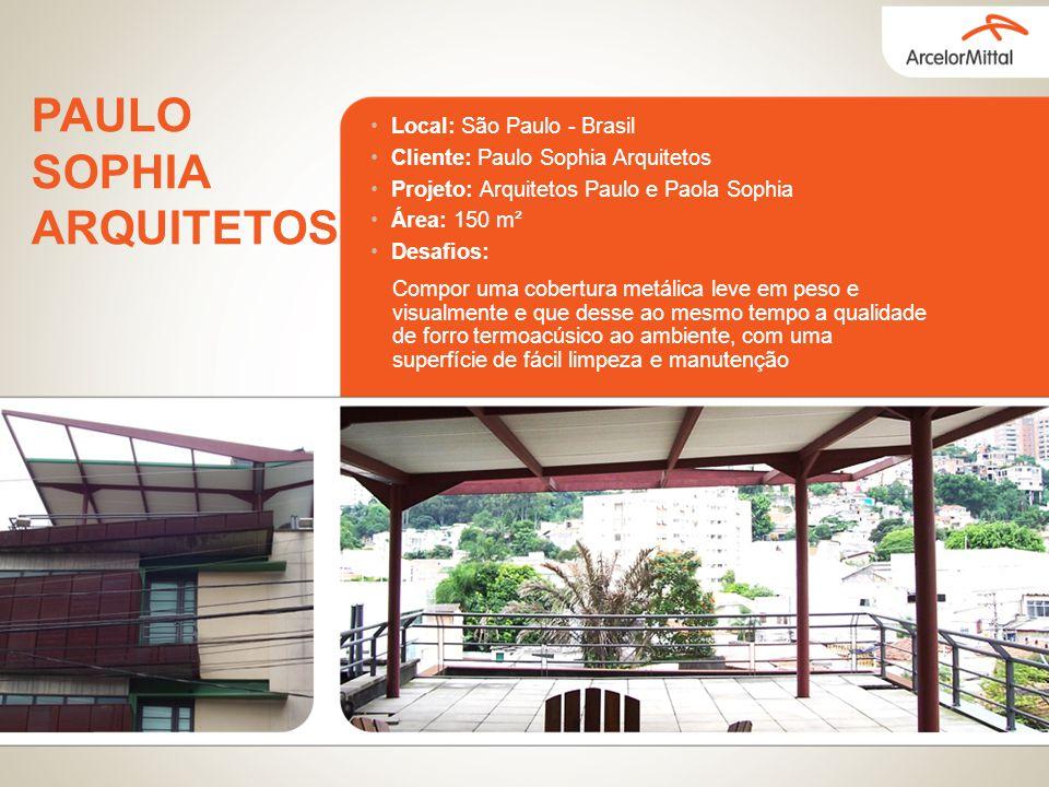 Local: São Paulo - Brasil Cliente: Paulo Sophia Arquitetos Projeto: Arquitetos Paulo e Paola Sophia Área: 150 m² Desafios: Compor uma cobertura metáli