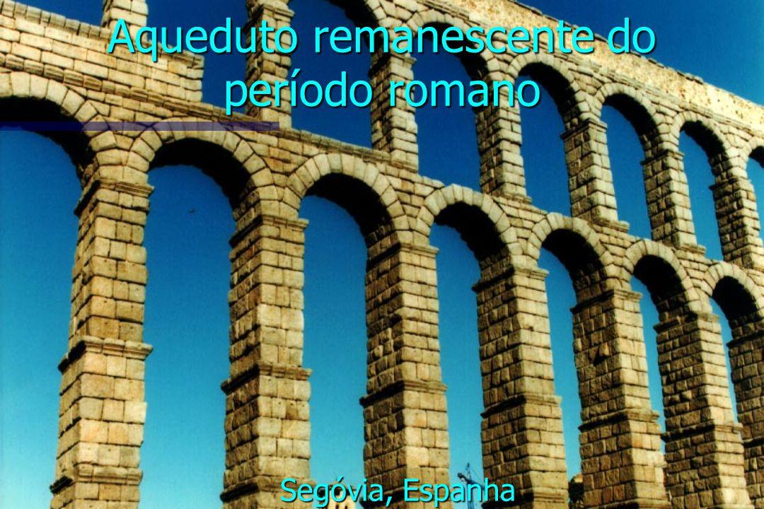 Aqueduto remanescente do período romano Segóvia, Espanha