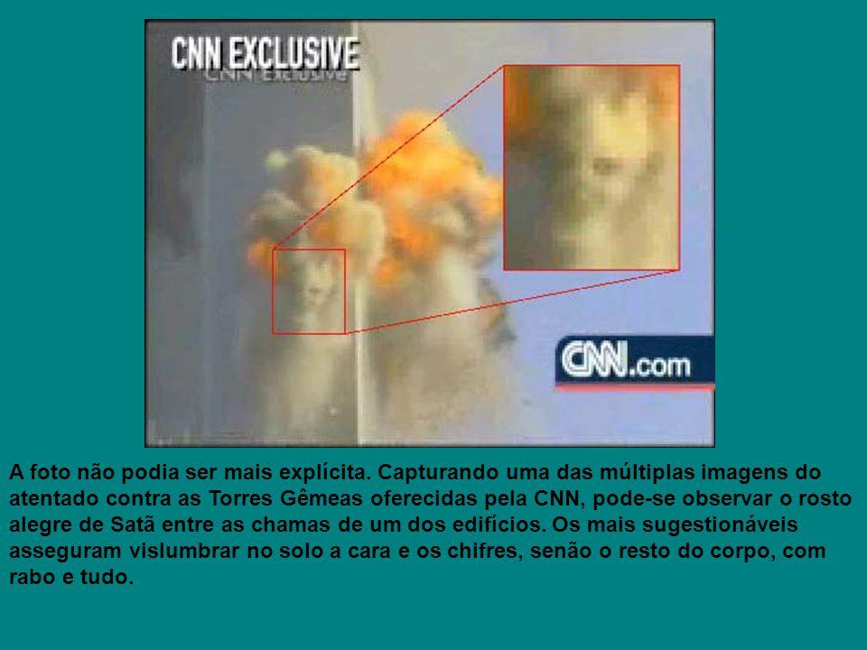 A foto não podia ser mais explícita. Capturando uma das múltiplas imagens do atentado contra as Torres Gêmeas oferecidas pela CNN, pode-se observar o